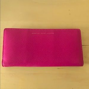2 toned Marc Jacobs wallet